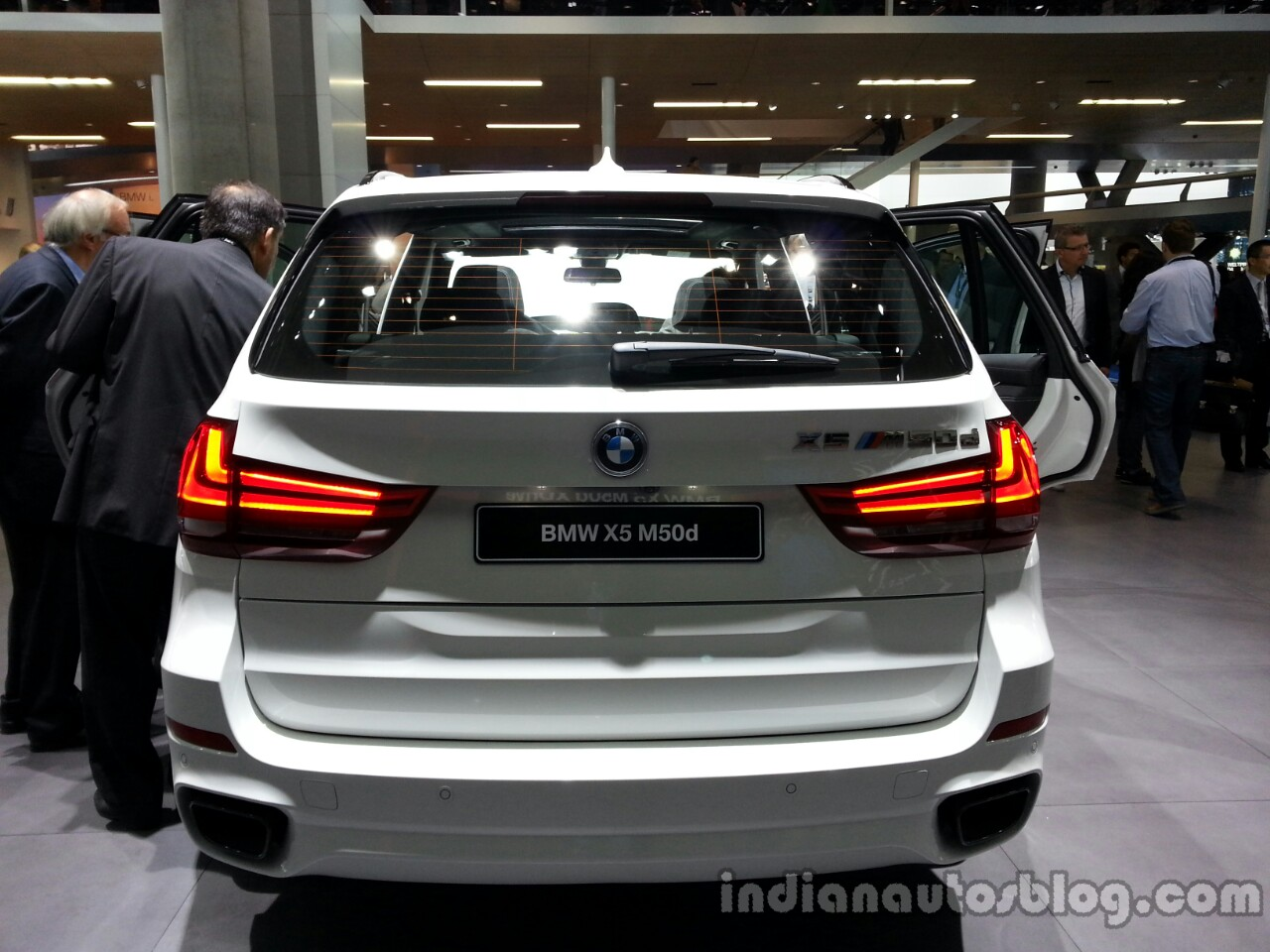 Rear of the 2014 BMW X5 M50d