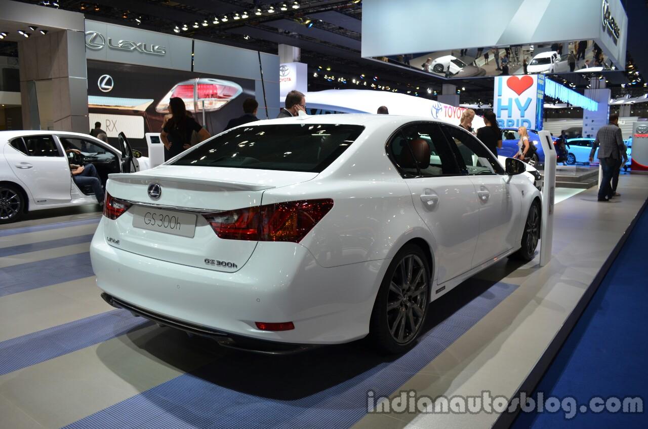 https://img.indianautosblog.com/2013/09/Rear-three-quarter-of-the-2014-Lexus-GS-300h.jpg