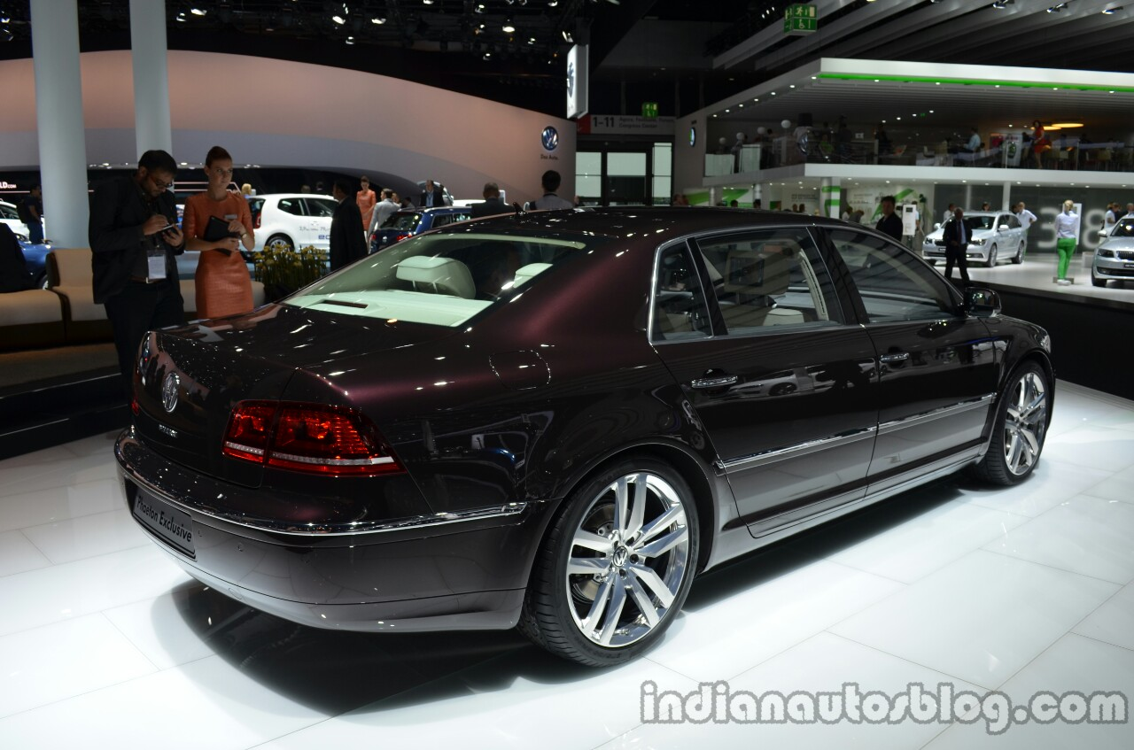Rear three quarter of the 2014 VW Phaeton Exclusive
