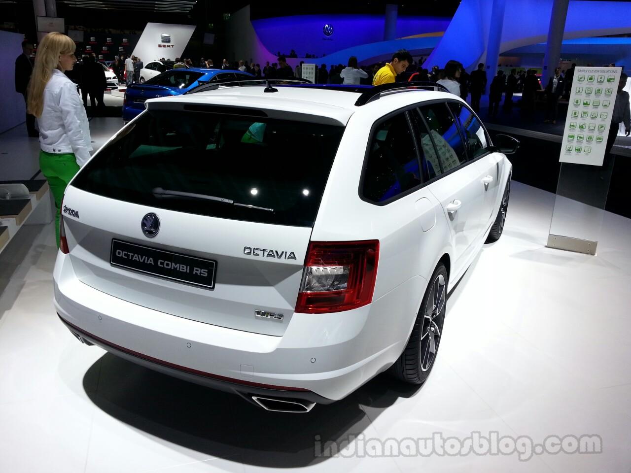 Skoda Octavia  vRS wagon rear quarter