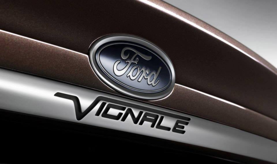 badge of the Ford Mondeo Vignale concept