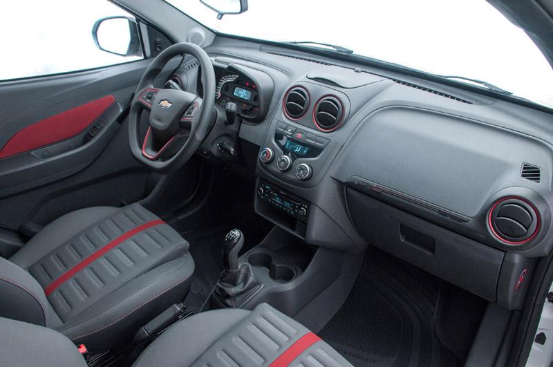 Royal South Toyota >> Chevrolet Agile Effect interior