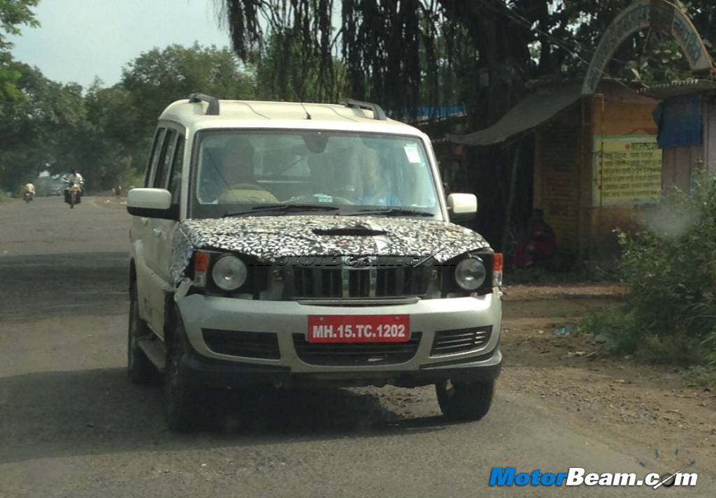 Mahindra Scorpio facelift spied