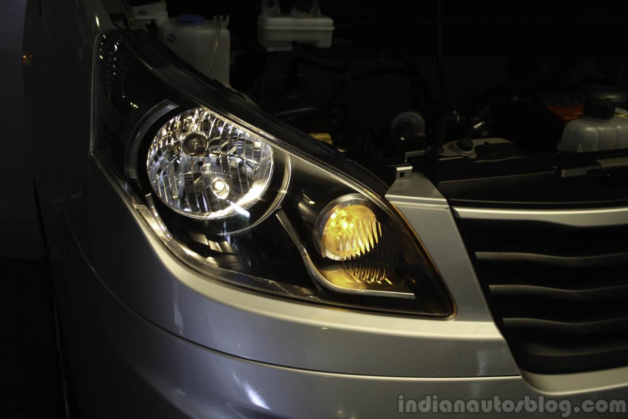 Ashok Leyland Stile headlamp