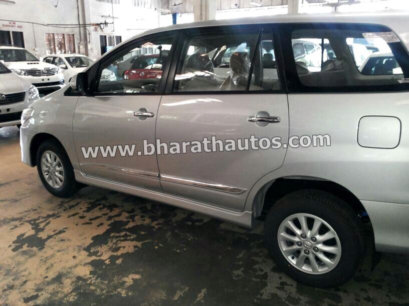 Toyota Innova Facelift side