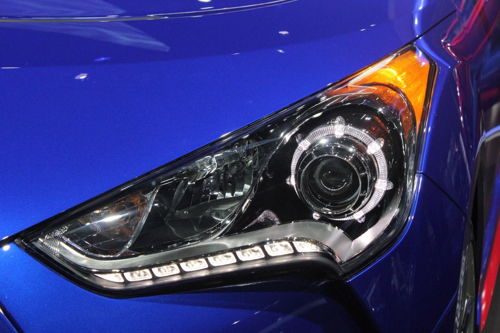 2014 Hyundai Veloster Turbo R-Spec headlight