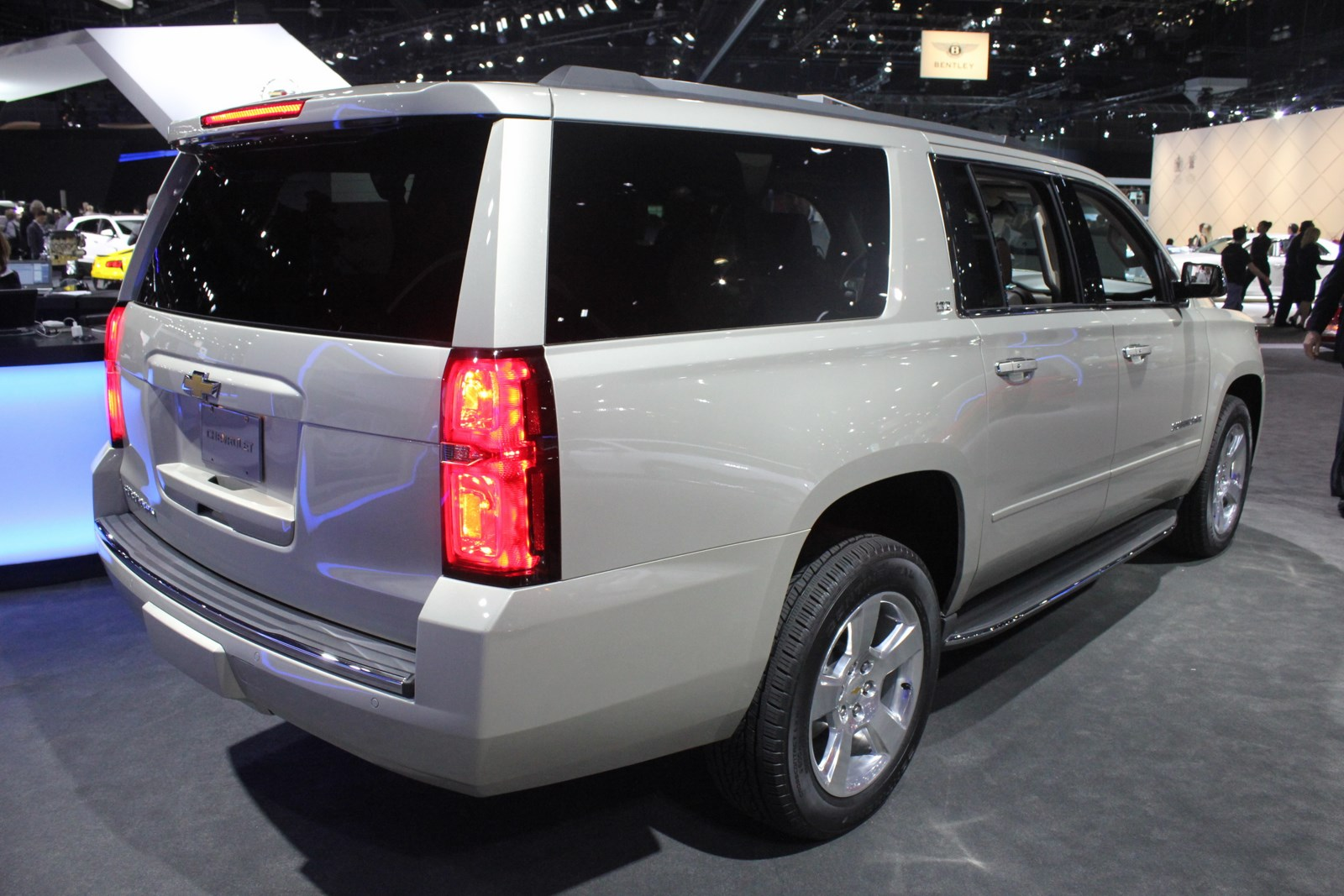 2015 Chevrolet Suburban rear three quarters 2