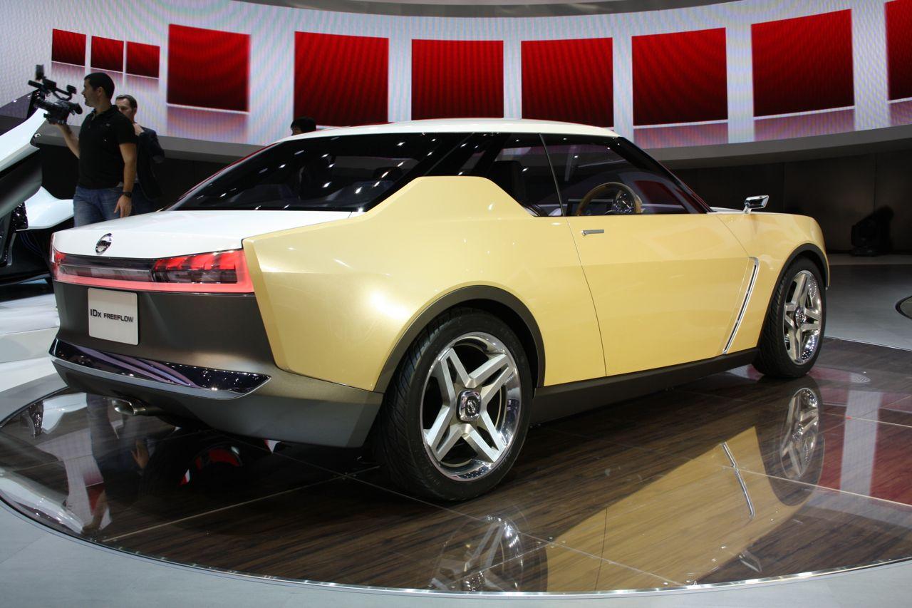 Nissan IDx Freeflow rear three quarter
