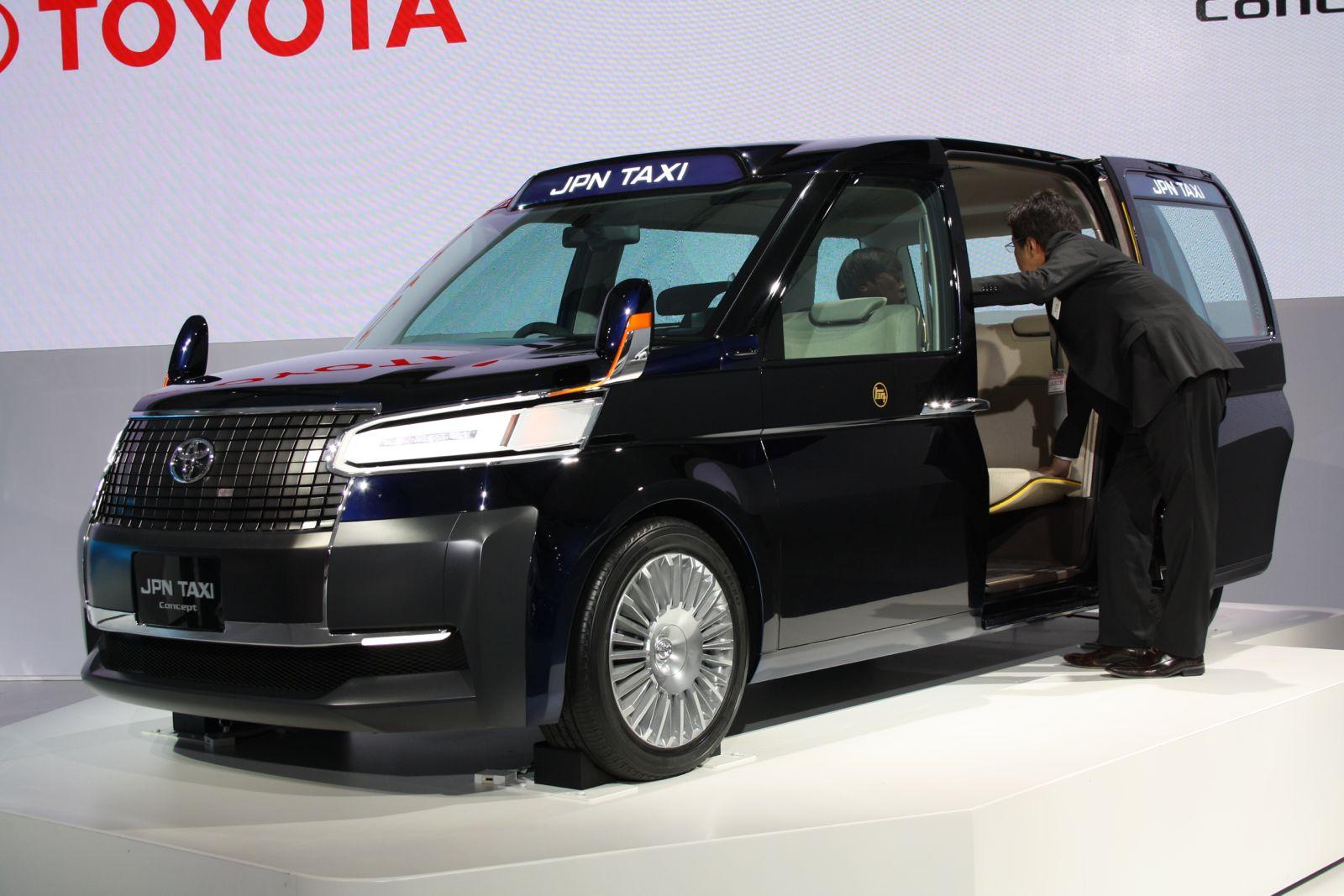 2013 Tokyo Motor Show Live Toyota Jpn Taxi Concept