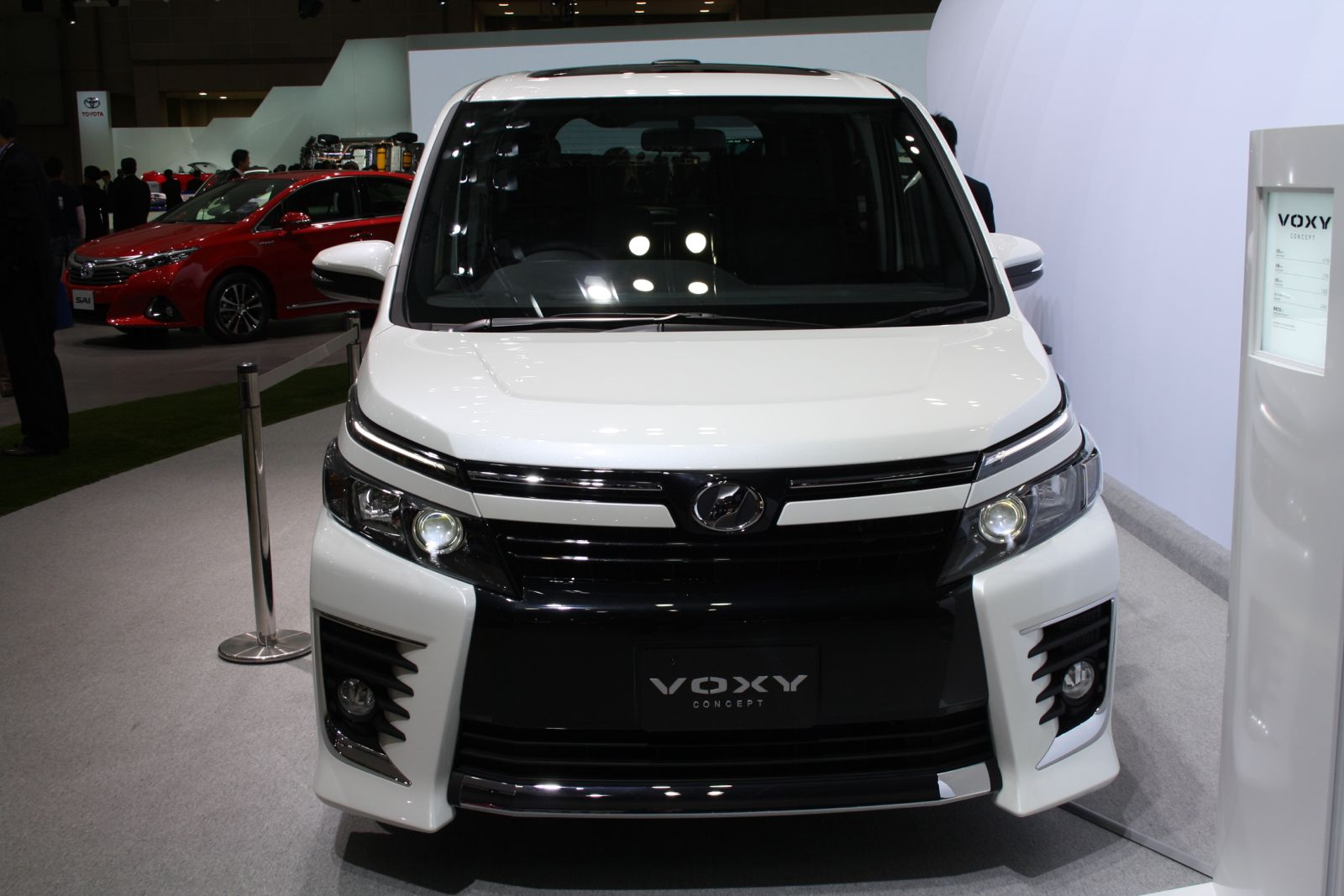 2013 Tokyo Motor Show Live Toyota Voxy And Noah Concepts