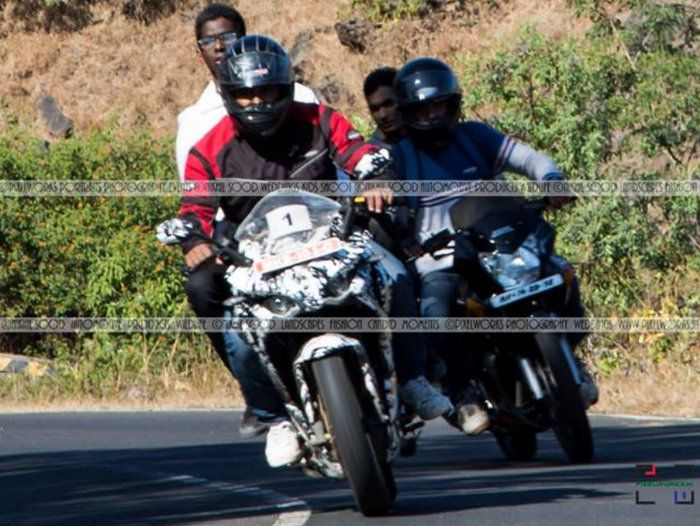 Bajaj Pulsar 200 SS spotted near Pune with pillion