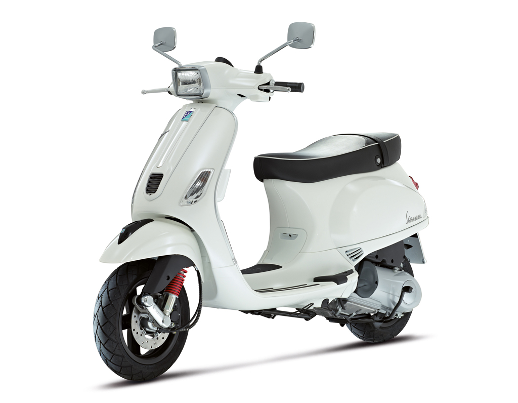 Piaggio Vespa Sport press shot front