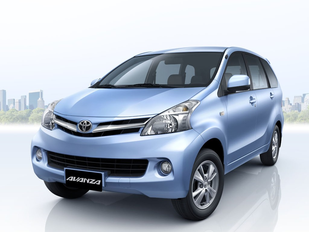 Toyota Avanza press image front three quarter