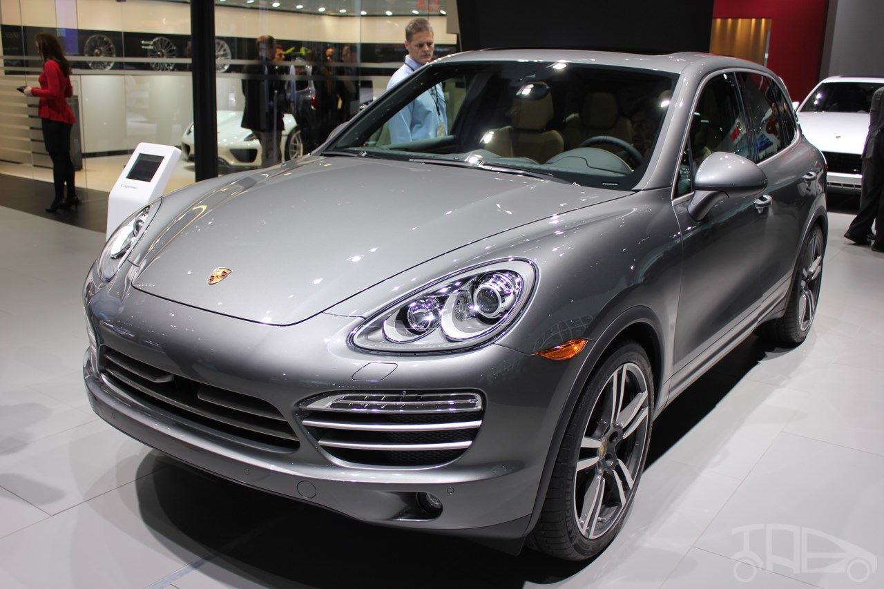 2014 porsche cayenne platinum edition at naias 2014. Black Bedroom Furniture Sets. Home Design Ideas