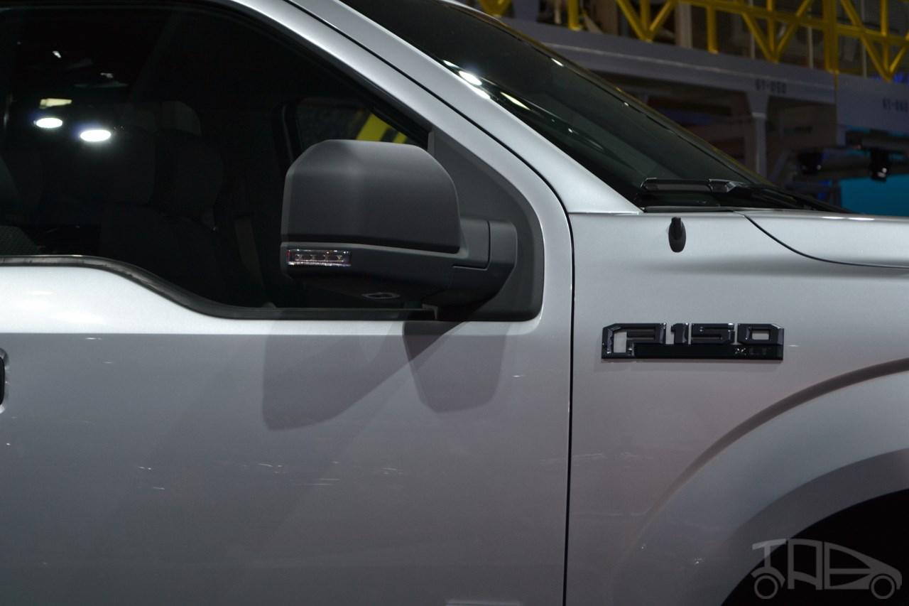 2015 Ford F-150 mirror at NAIAS 2014