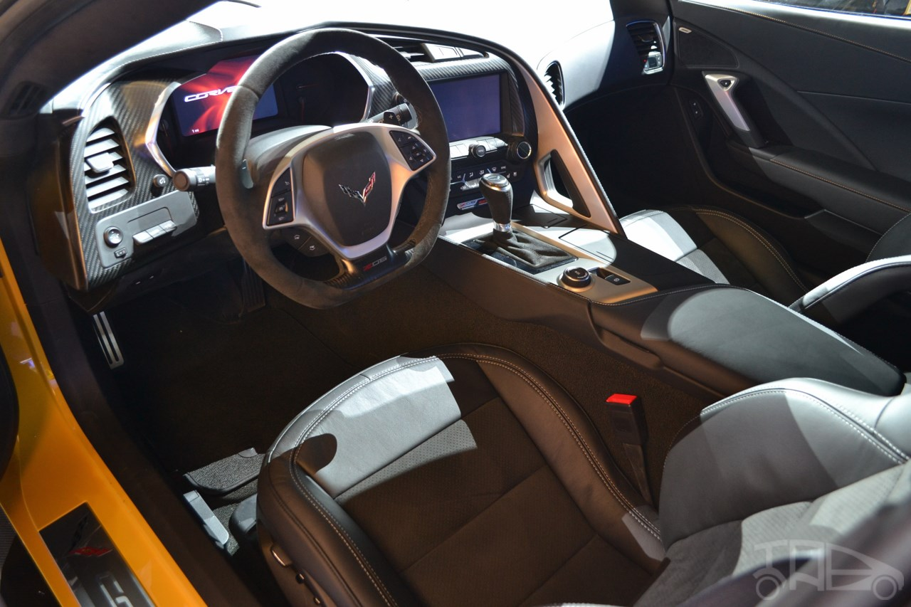 Corvette Z06 interior at NAIAS 2014