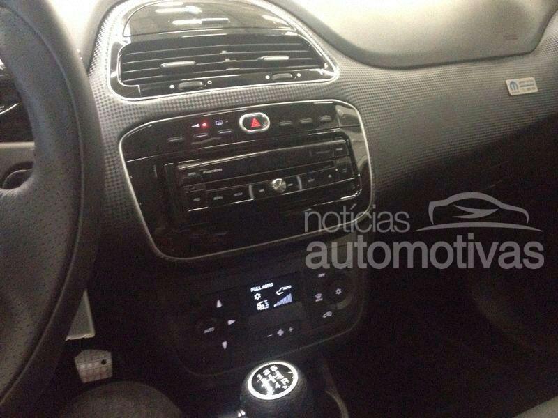 Fiat Punto T-Jet Mopar dashboard