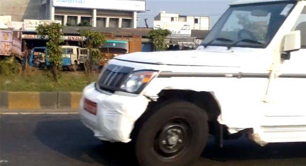 Mahindra Bolero Facelift spied Gujarat
