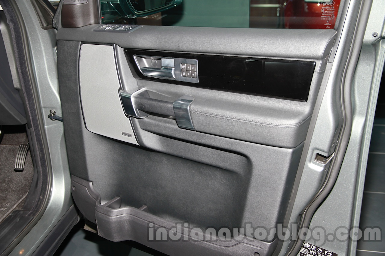 2014 Land Rover Discovery door trim at Auto Expo 2014