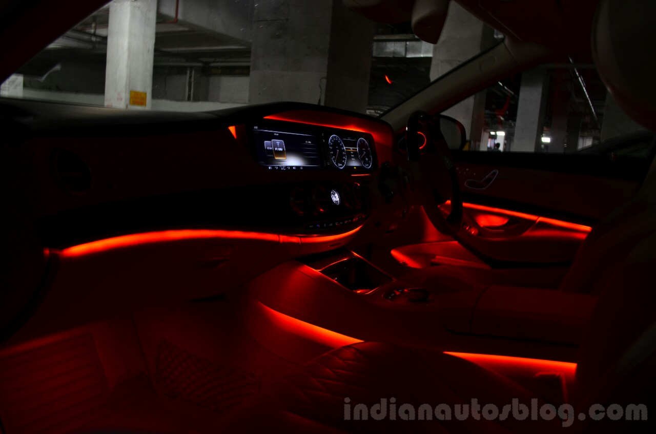 2014 Mercedes S Class review ambient light red