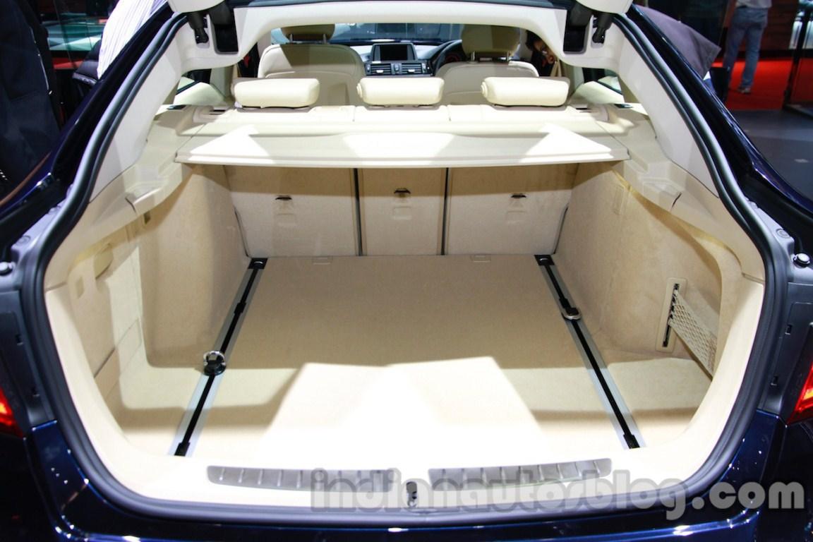 BMW 3 Series Gran Turismo rear seats folded live