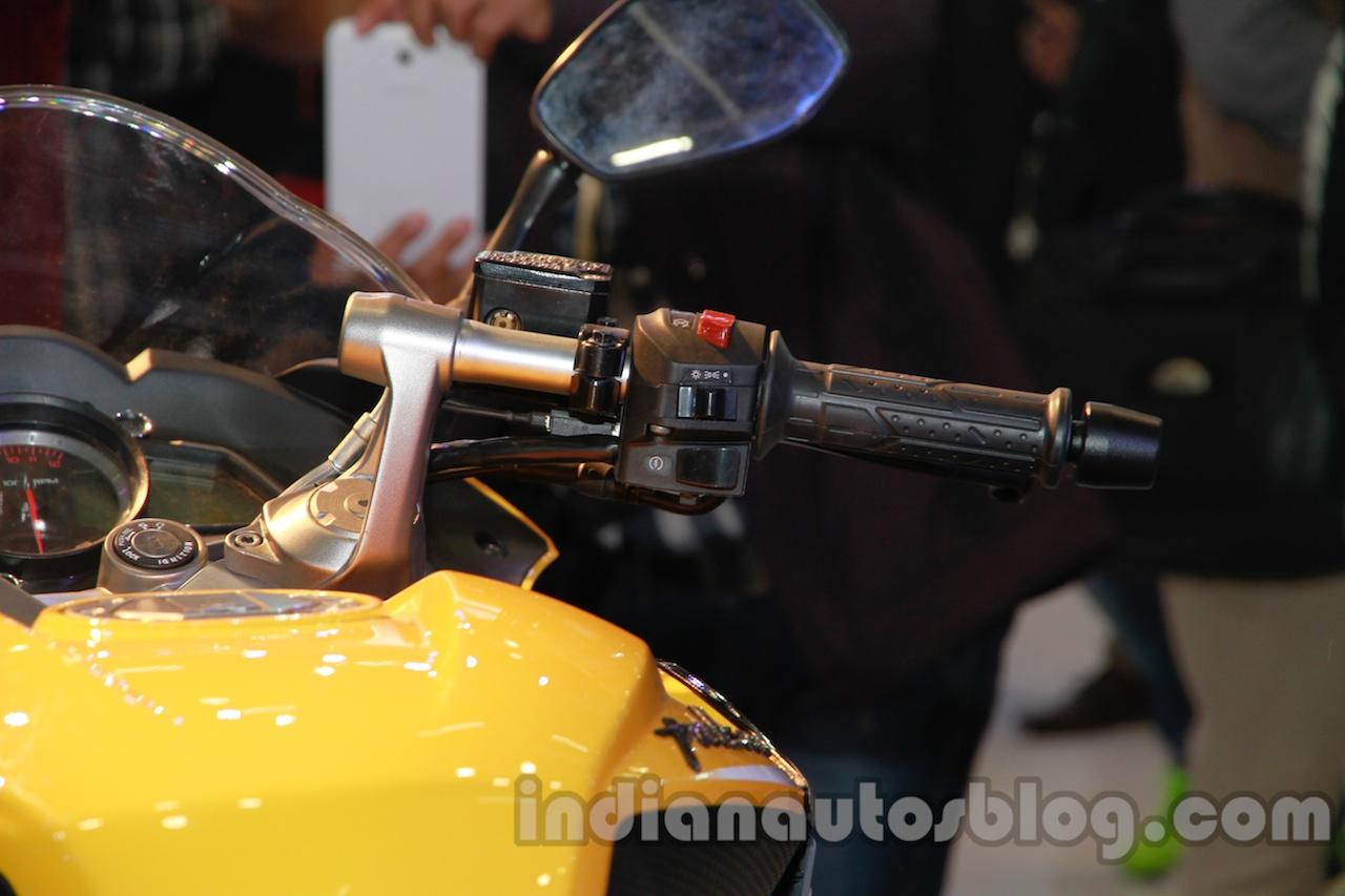 Bajaj Pulsar SS400 handlebar right