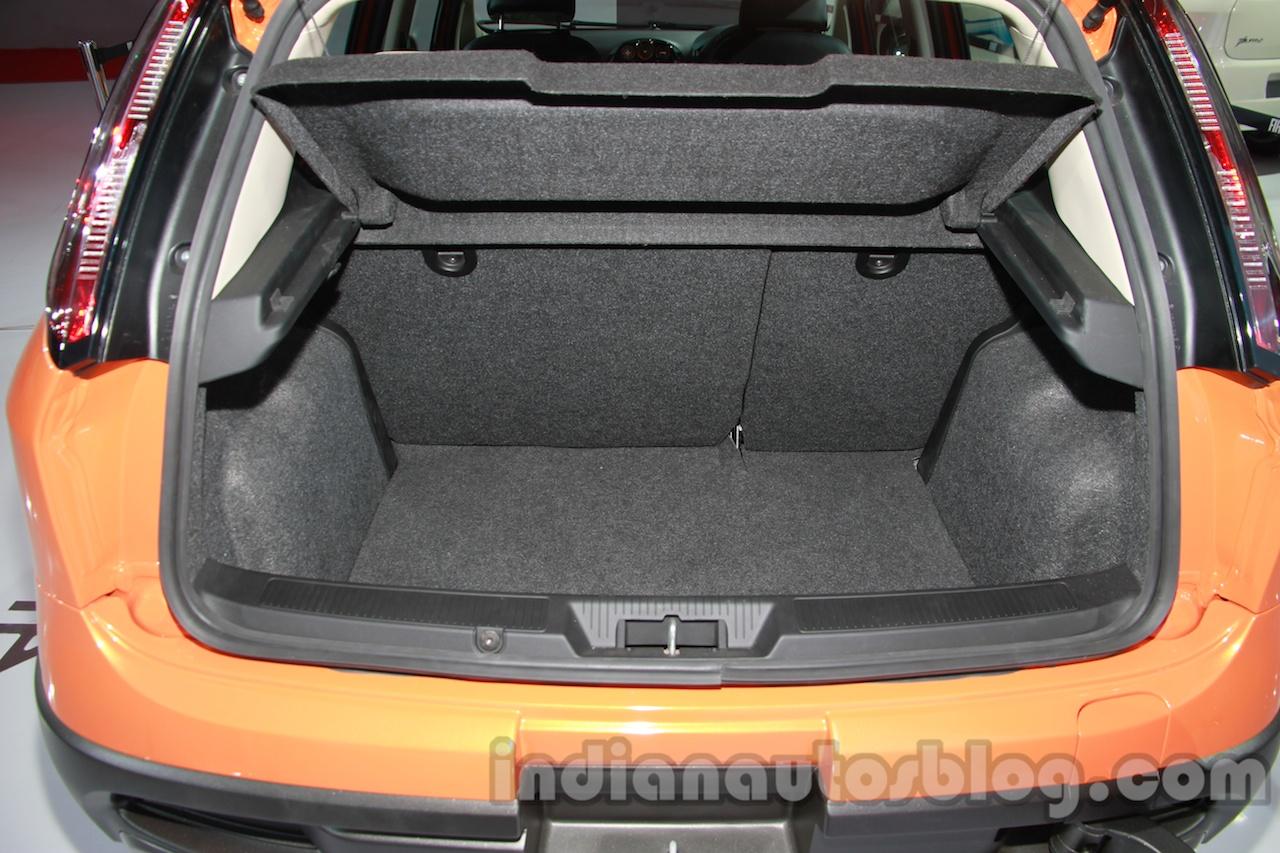 Fiat Avventura boot space