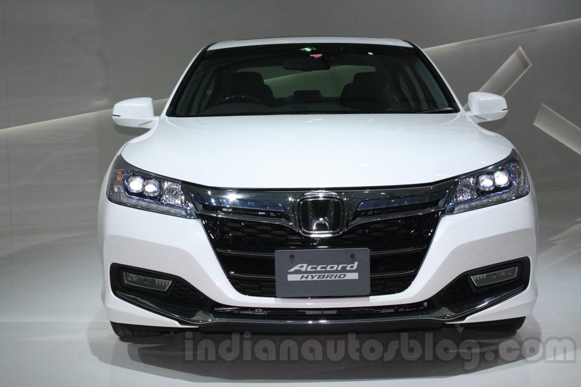 Honda Accord Hybrid front at Auto Expo 2014