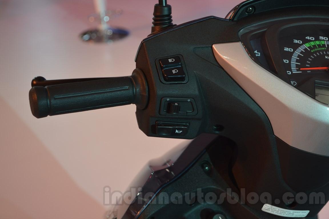 Honda Activa 125 Auto Expo 2014 handlebar