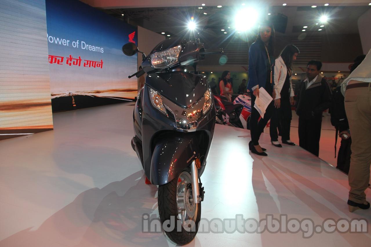 Honda Activa 125 front fascia at Auto Expo 2014
