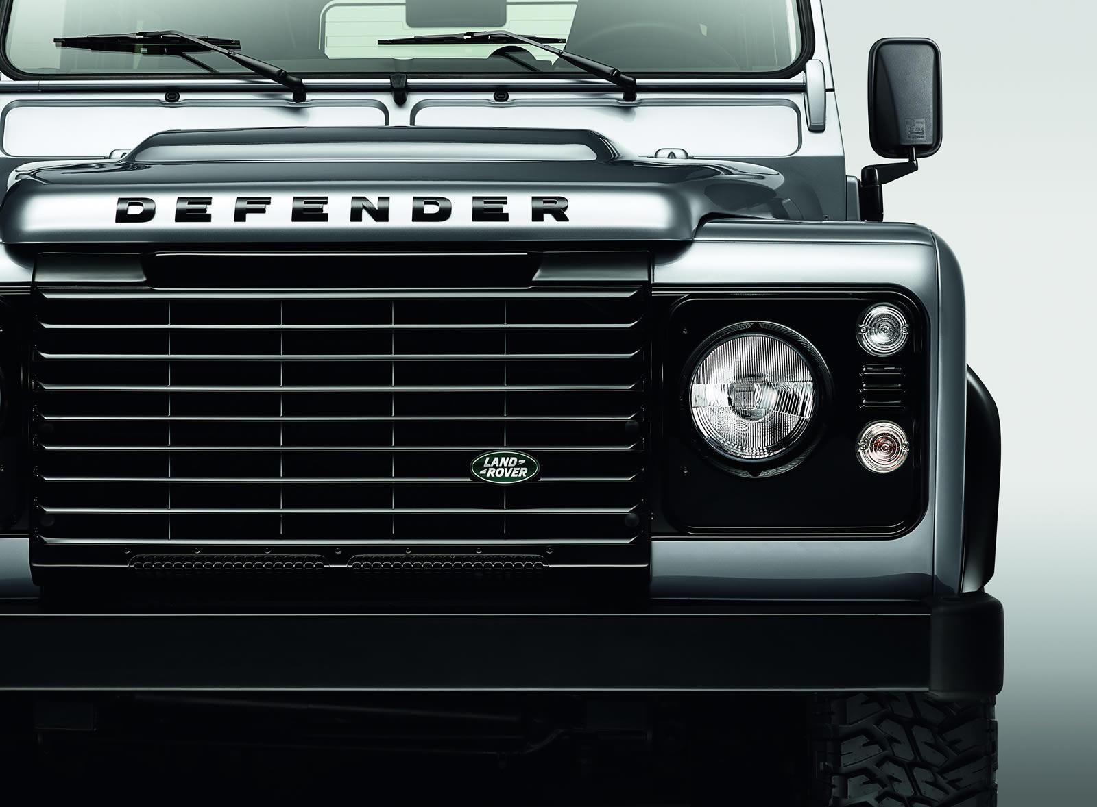 Land Rover Defender Black Pack front facia
