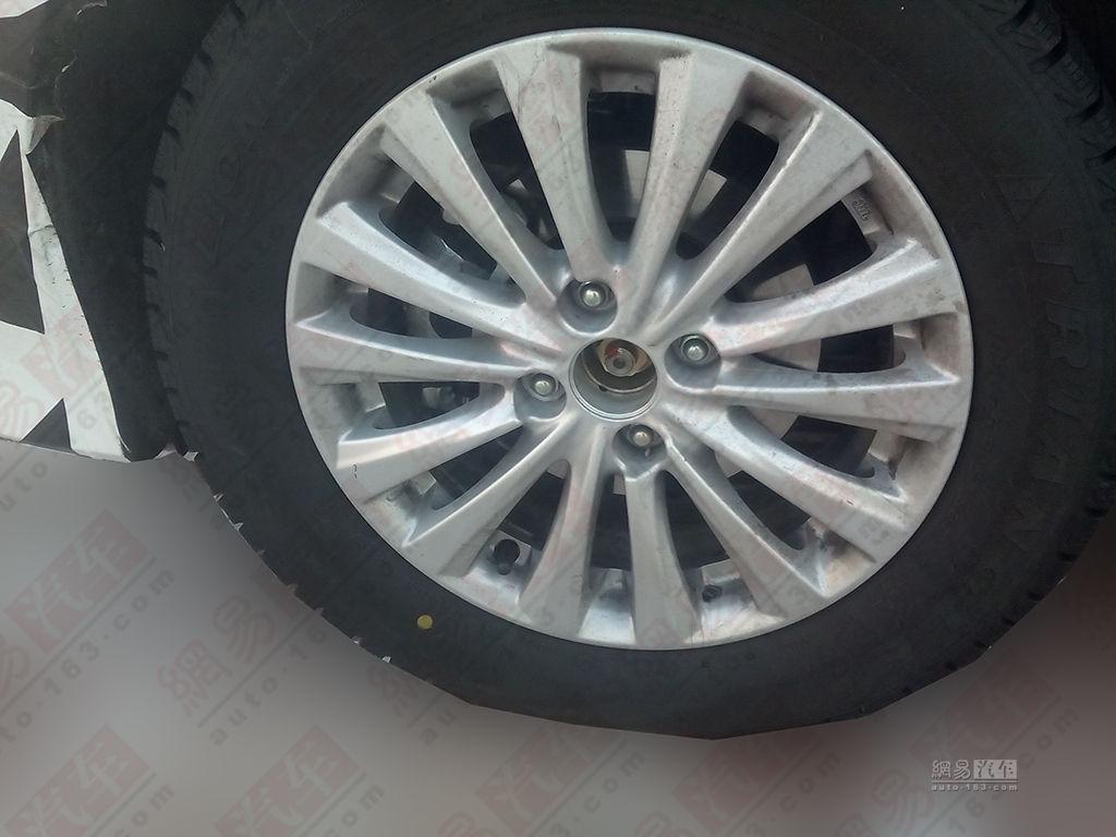 Maruti Suzuki Ciaz spied China wheel