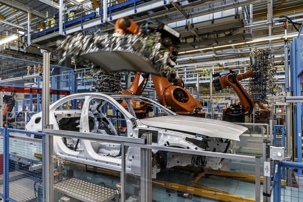 Mercedes-Benz C-Class Bremen plant inauguration body-in-white press shot
