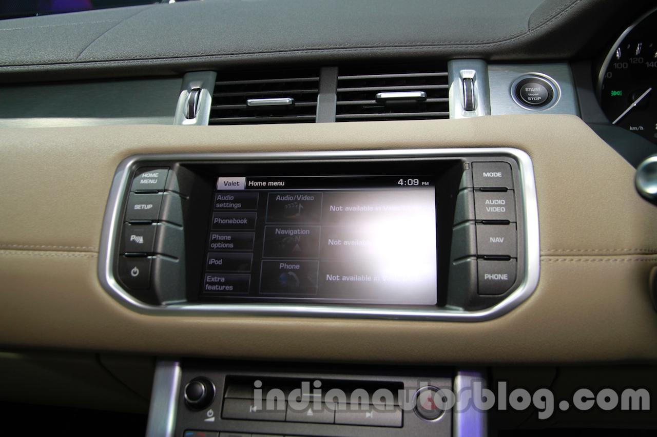 Range Rover Evoque 9-speed infotainment display at Auto Expo 2014