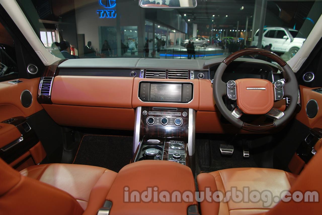 Range Rover L at Auto Expo 2014 dashboard