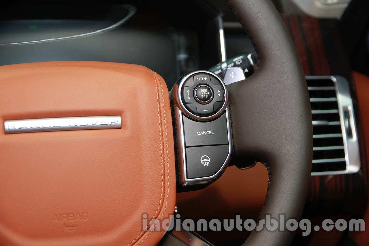 Range Rover L at Auto Expo 2014 steering 2