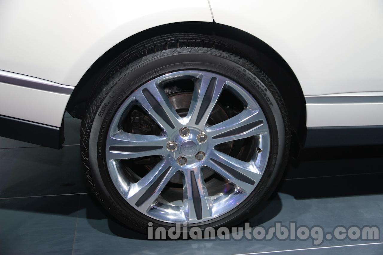 Range Rover L at Auto Expo 2014 wheel