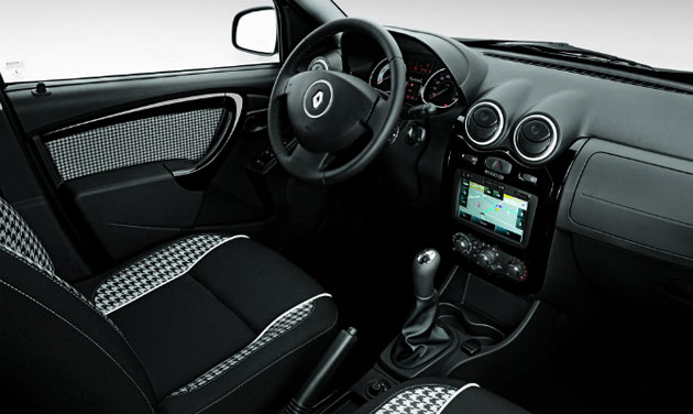 Renault Sandero Stepway Tweed interior press shot