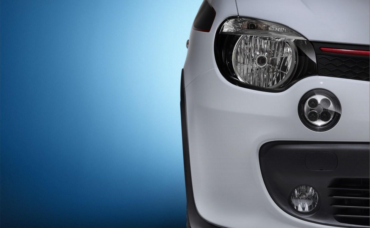 Renault Twingo headlamp press shot