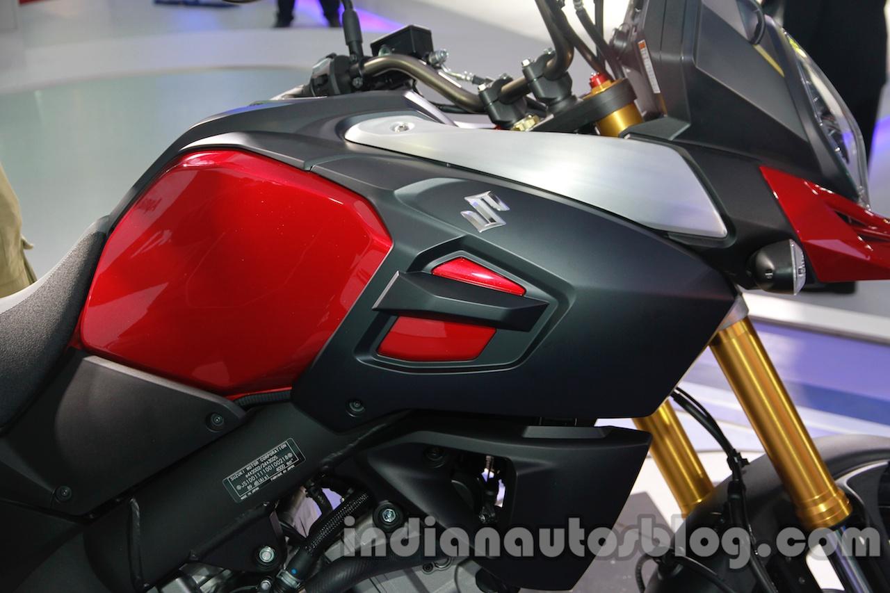Suzuki V-Strom 1000 ABS fuel tank at 2014 Auto Expo