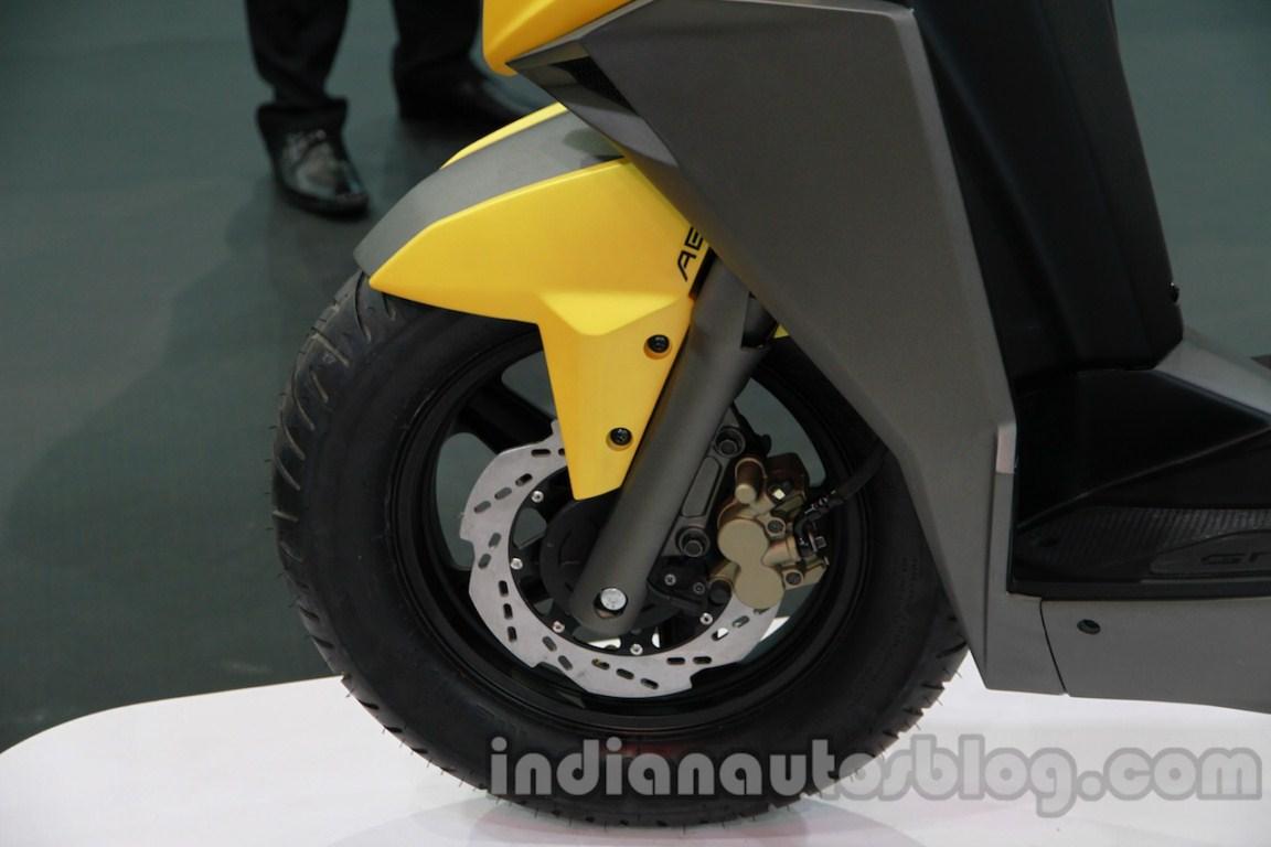 TVS Graphite concept front disc brake detail live