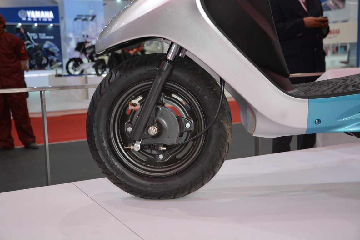 TVS Scooty Zest 110 cc front wheel from 2014 Auto Expo