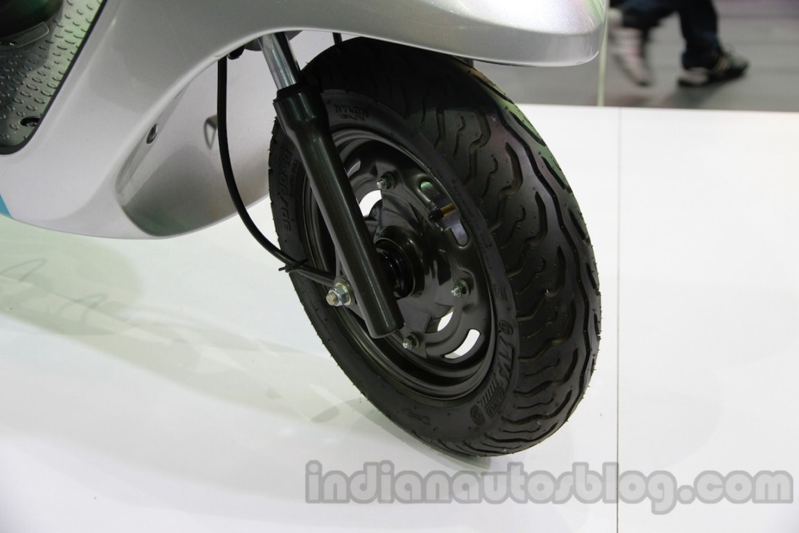 TVS Scooty Zest front wheel detail live