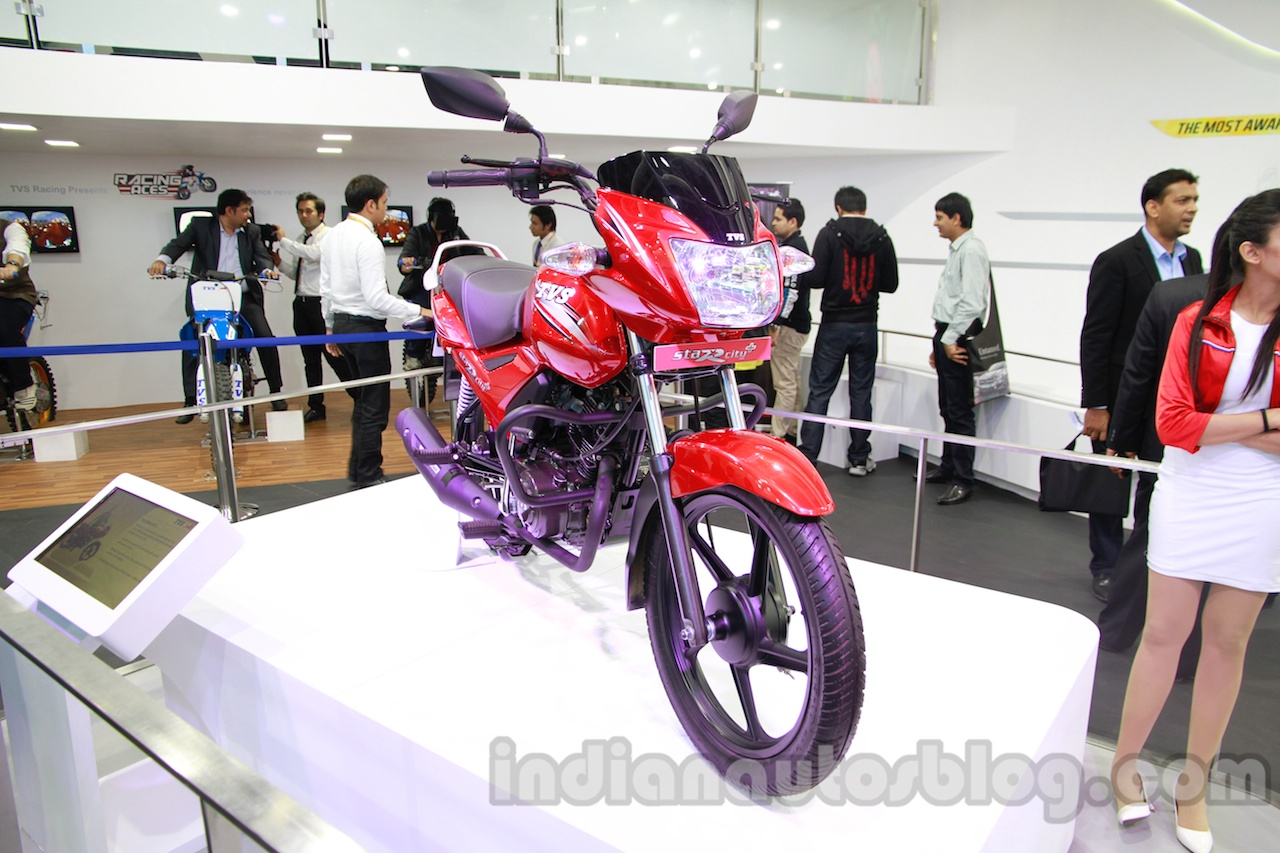 TVS Star City+ front three quarters at Auto Expo 2014