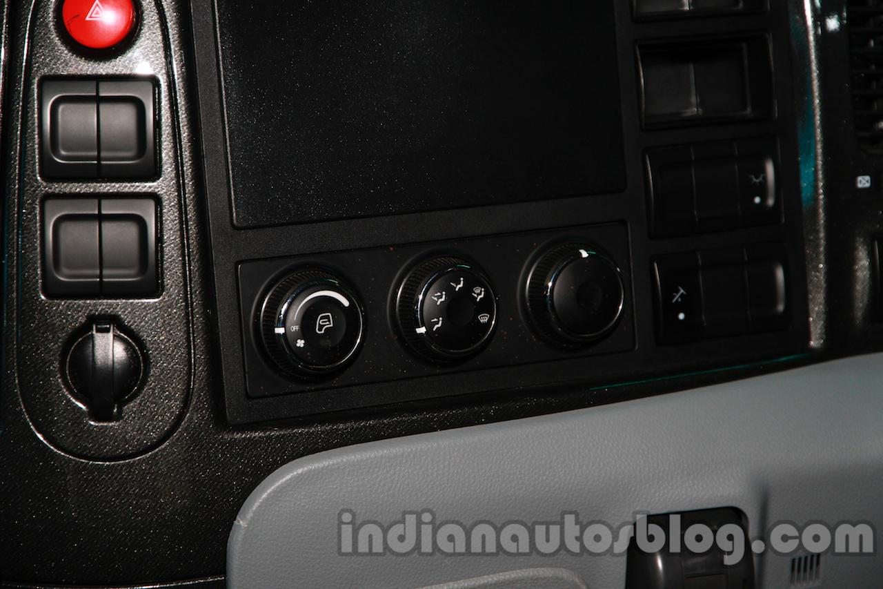 Tata Prima CX 1618 controls