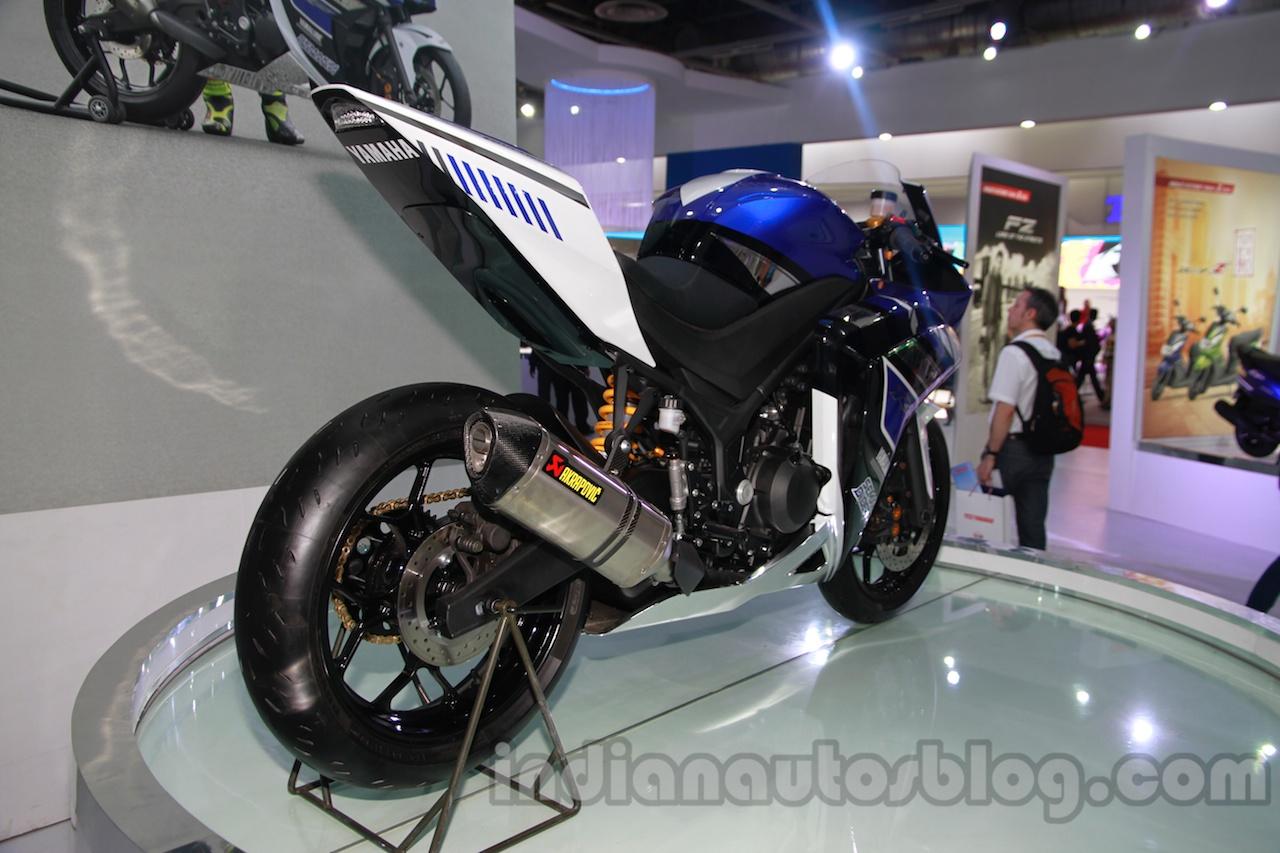 Yamaha R25 Auto Expo rear quarter