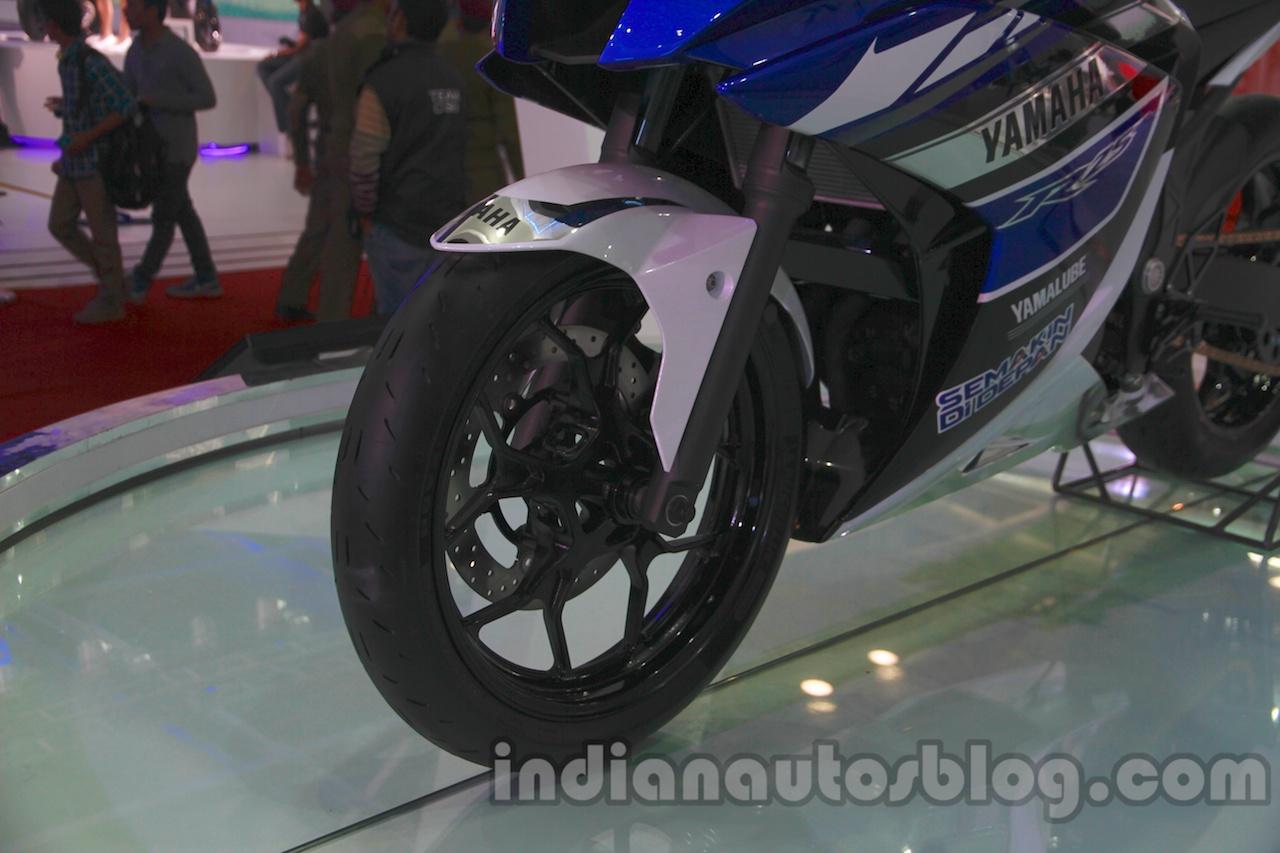 Yamaha R25 Auto Expo wheel front