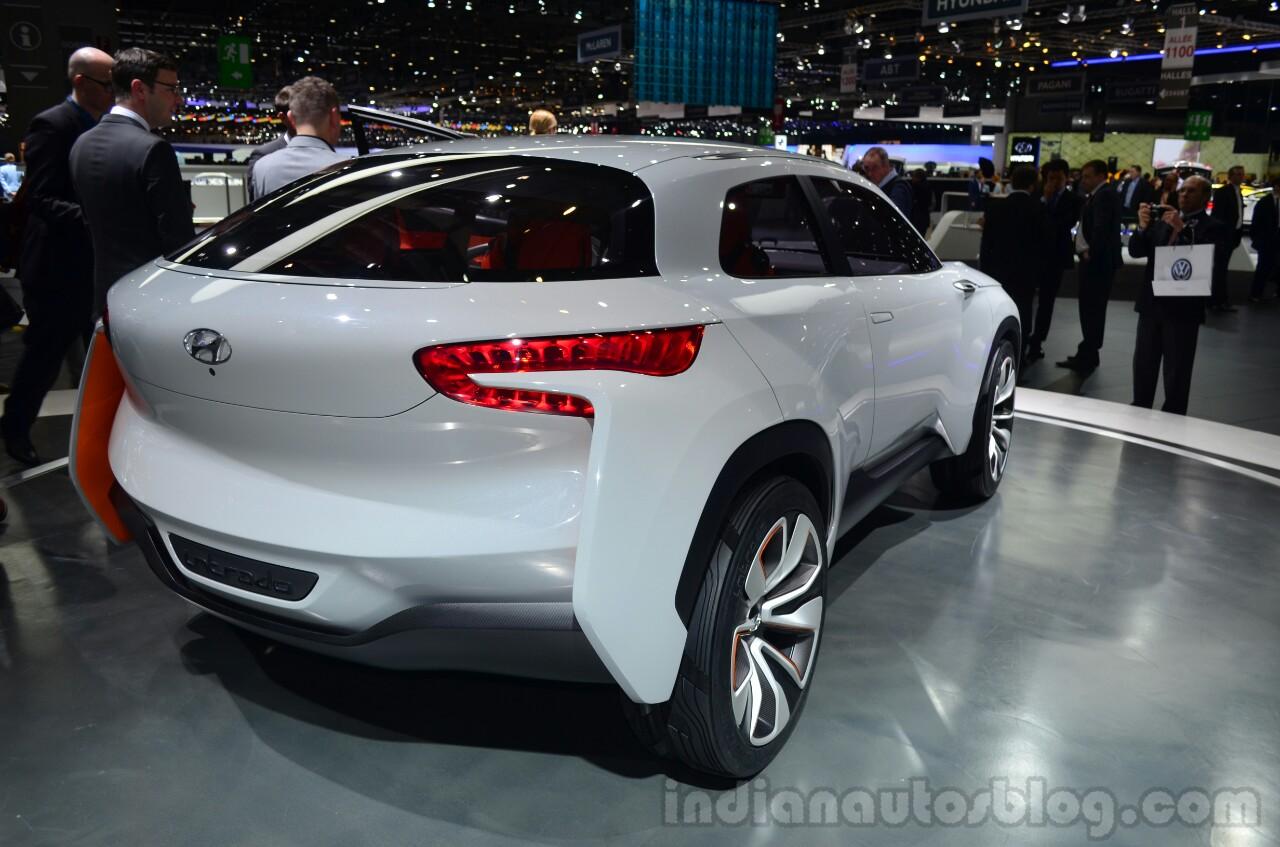 Hyundai Intrado concept rear three quarter - Geneva Live