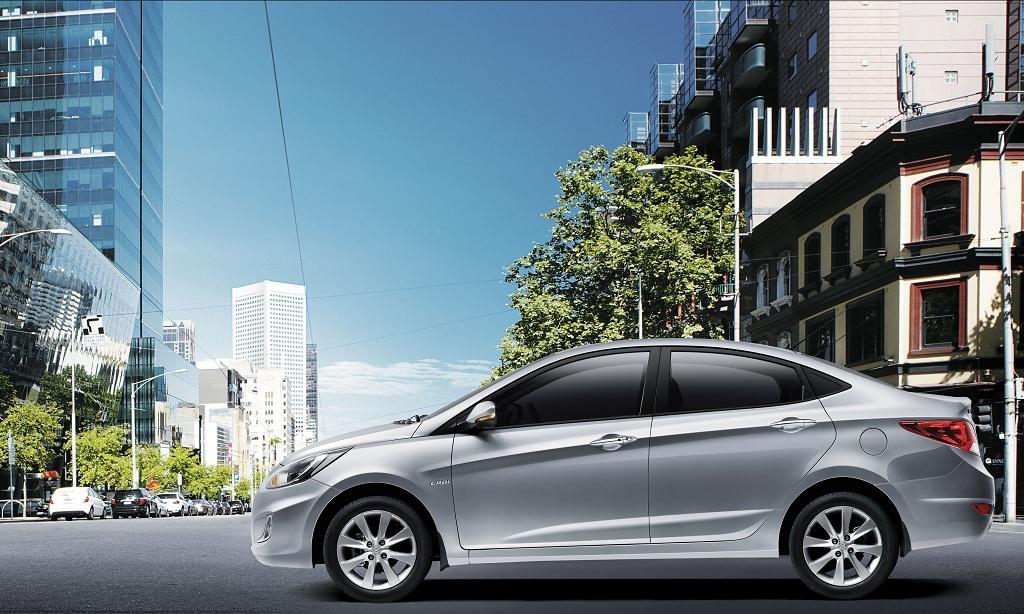 Hyundai Verna side press shot