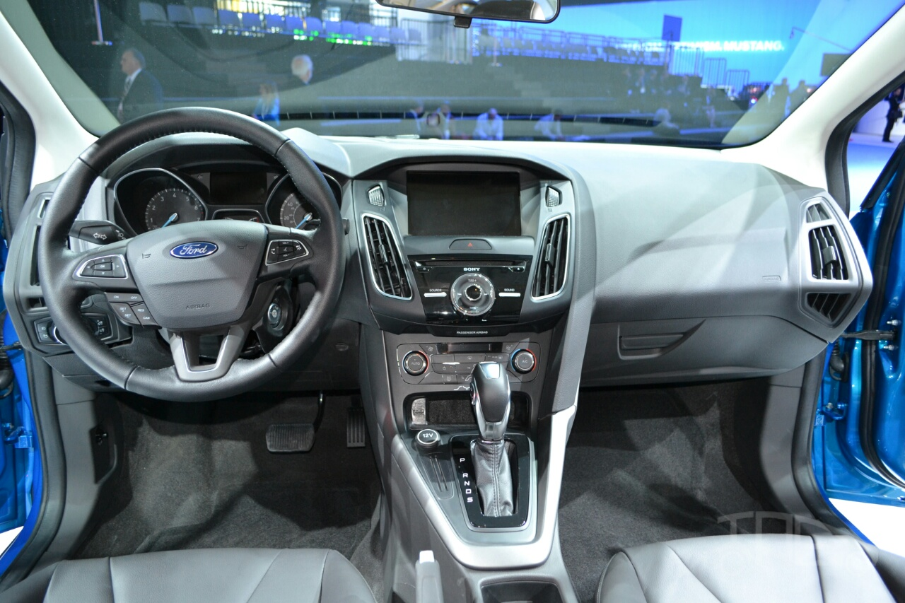 2014 Ford Focus Automatic 2019 2020 Top Car Designs Motor 2015 At New York Auto Show Dashboard